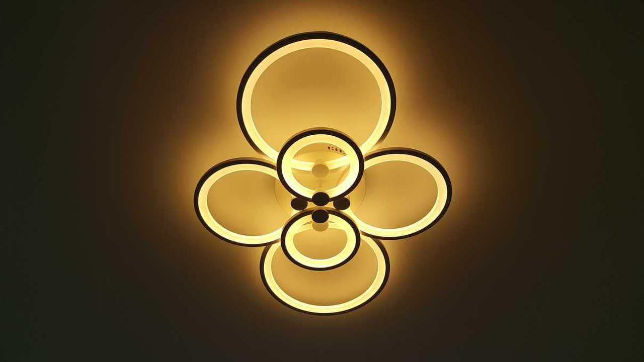Современная потолочная светодиодная люстра