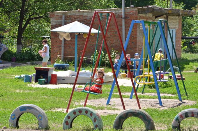 Детская площадка в Чкаловской ОТГ.JPG