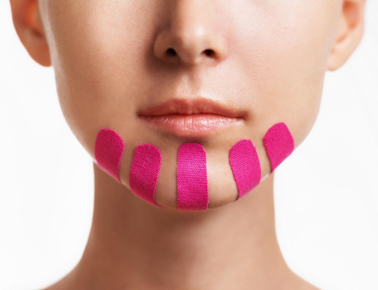 кинезиотейп на лице