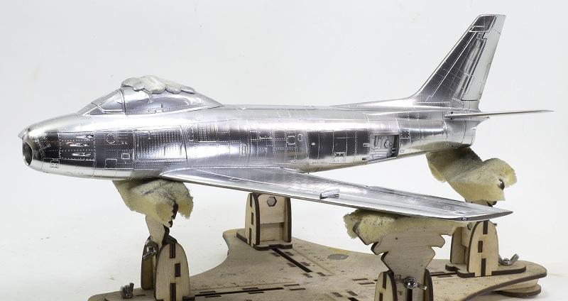 North American F-86F Sabre Jet. Italeri 1/32 573a3d955b869661f0058776c80eda2e
