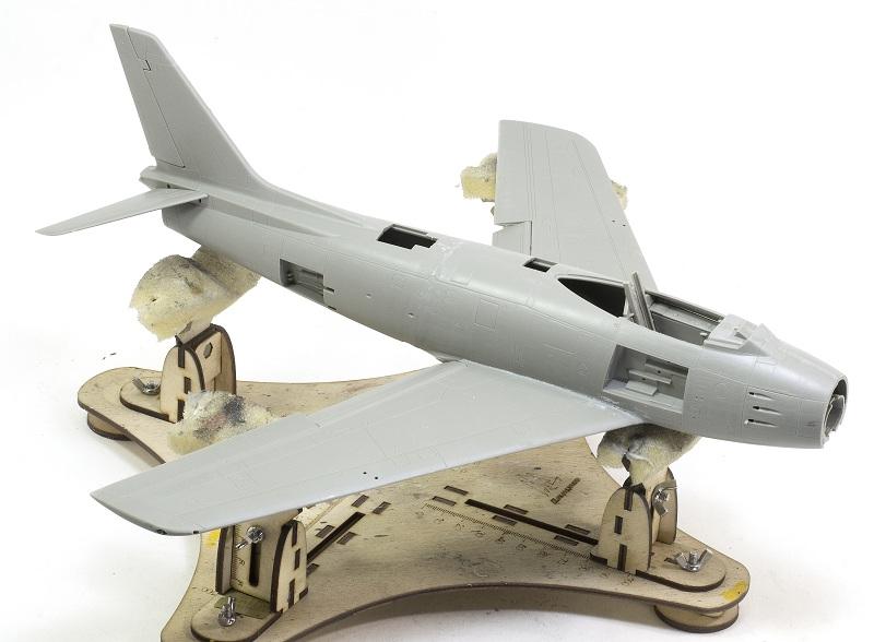 North American F-86F Sabre Jet. Italeri 1/32 D65424ed19713aeea3b298ef9fb8d258