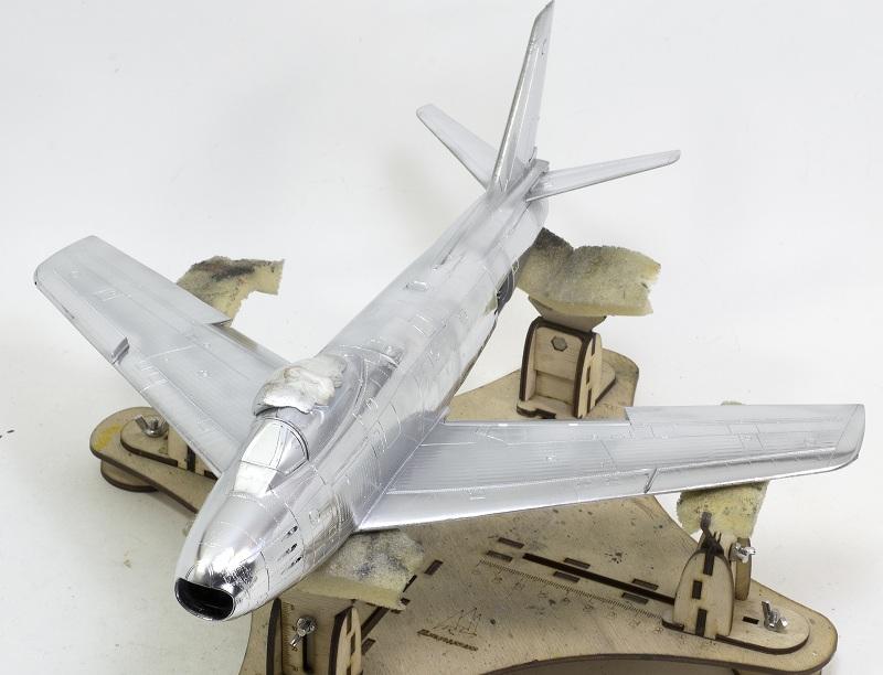 North American F-86F Sabre Jet. Italeri 1/32 E8acedc1a4f83e61ab43ad3632d52ee0