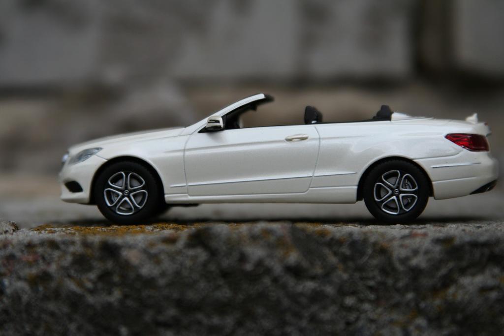 Mercedes-Benz E-Klasse Cabrio (A207) '2013–16 iScale 7.jpg