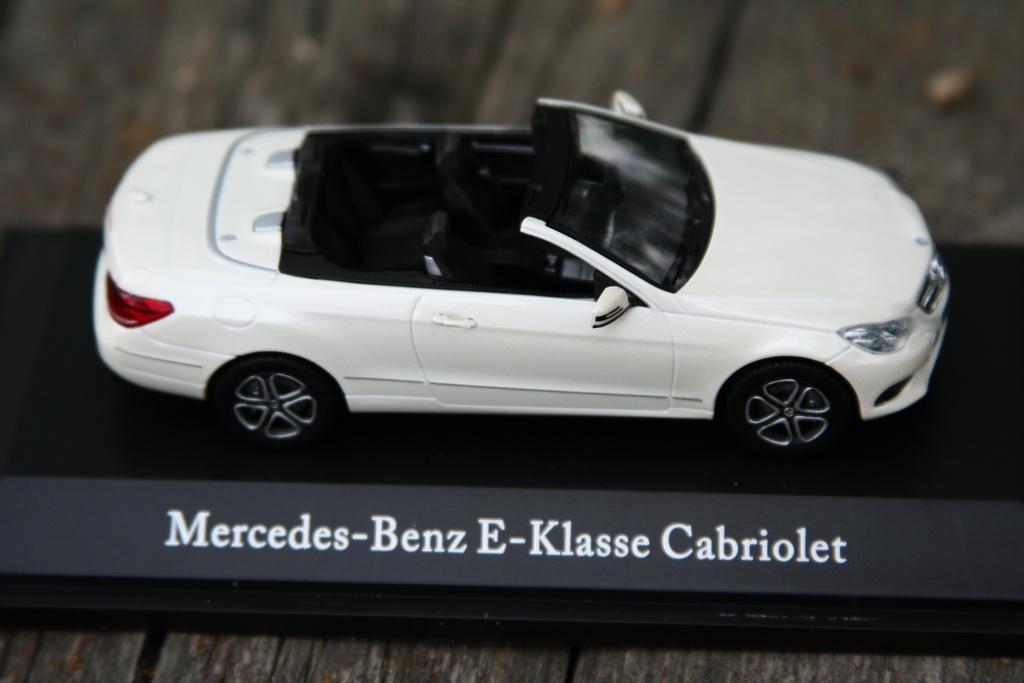 Mercedes-Benz E-Klasse Cabrio (A207) '2013–16 iScale 3.jpg