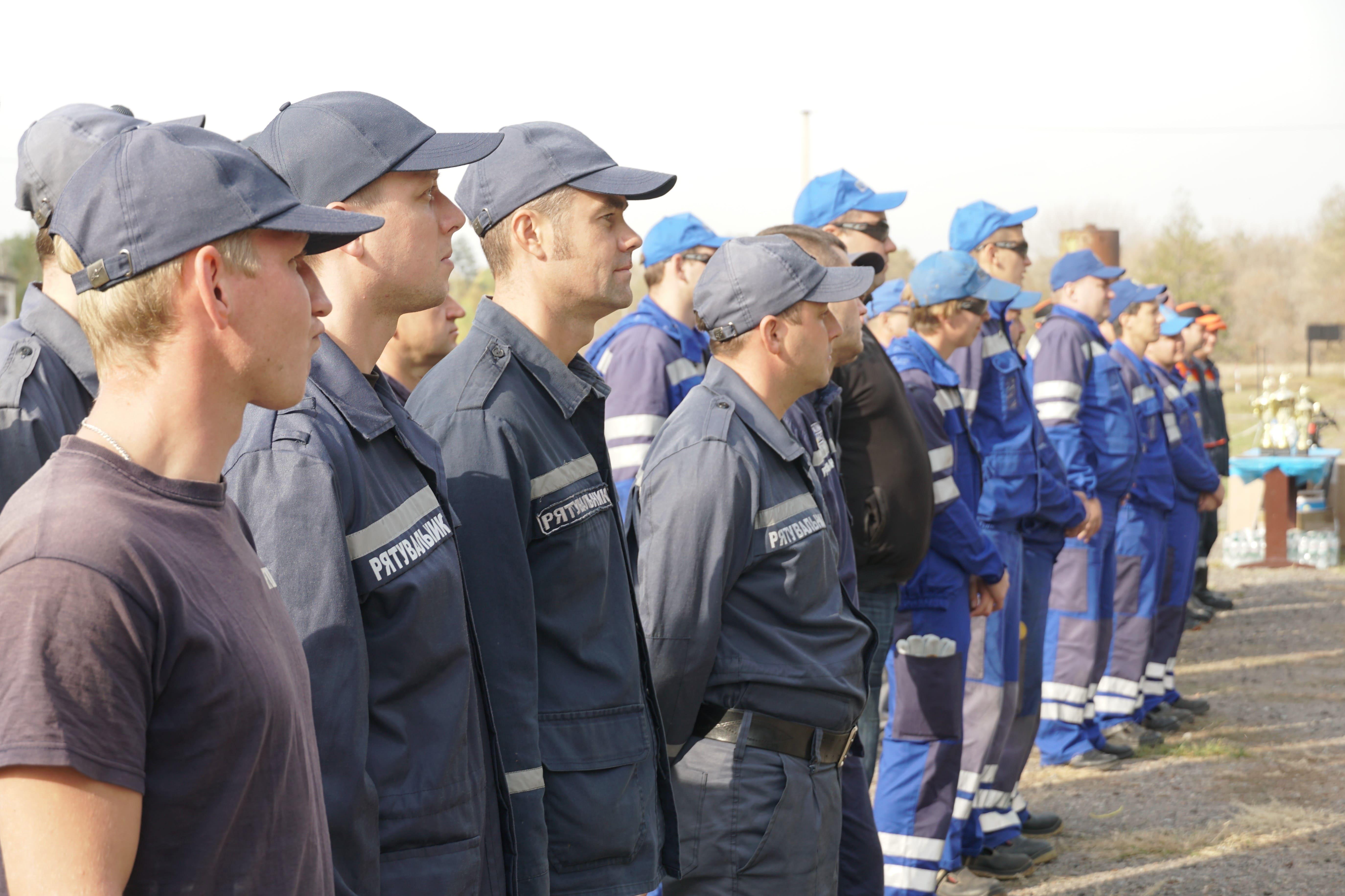 Команда професійних рятувальників та команда групи Smart Energy.jpg