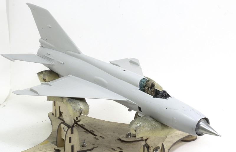 MiG-21МФ 02218 Trumpeter 1/32 2ca25eded41ce05f5235bb0341e3ea8e