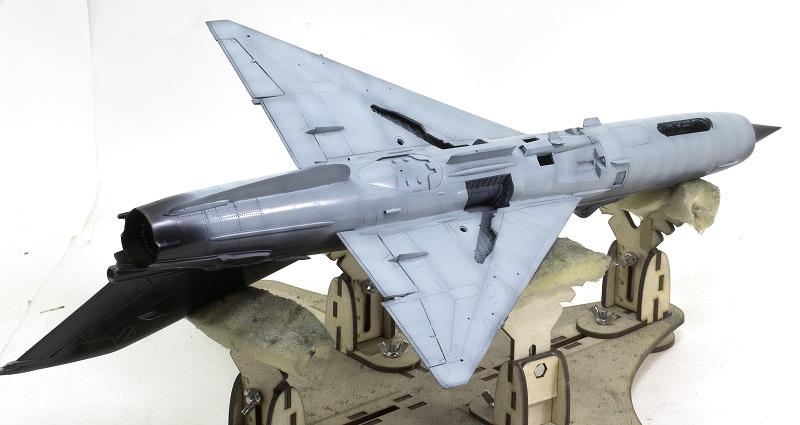 MiG-21МФ 02218 Trumpeter 1/32 2d32805e51a27e111770976a01e6f741