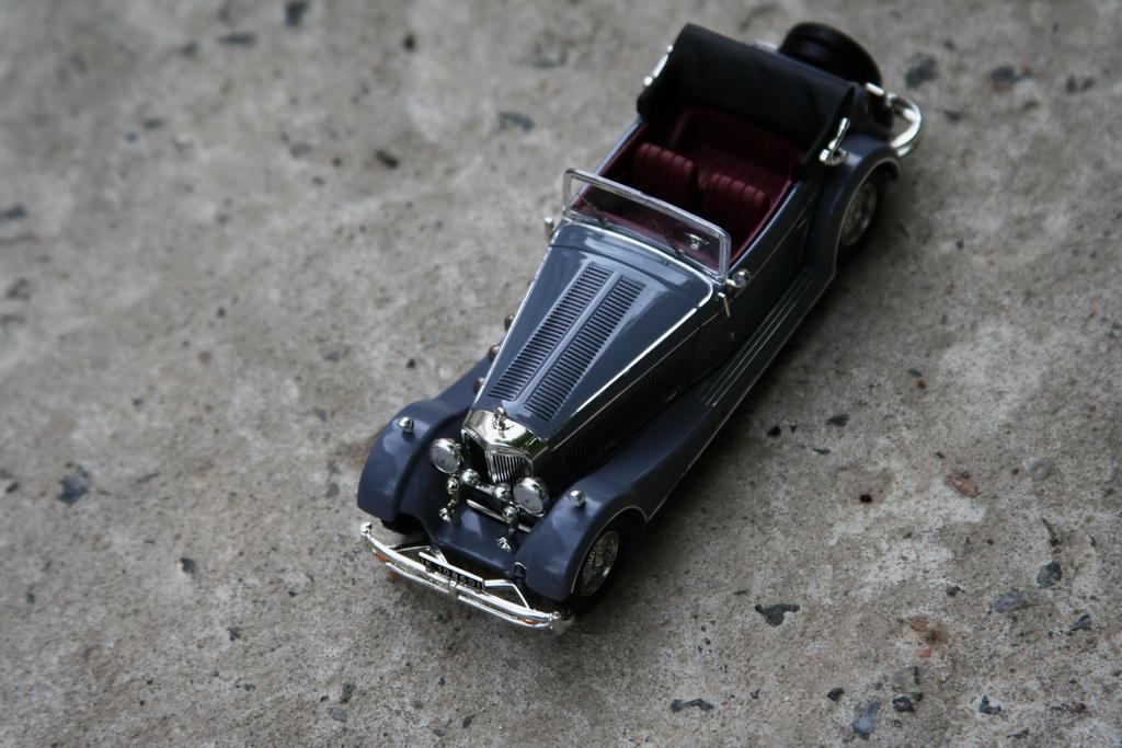 Mercedes-Benz SS (W06) '11.1928–09.1933 ixo.jpg