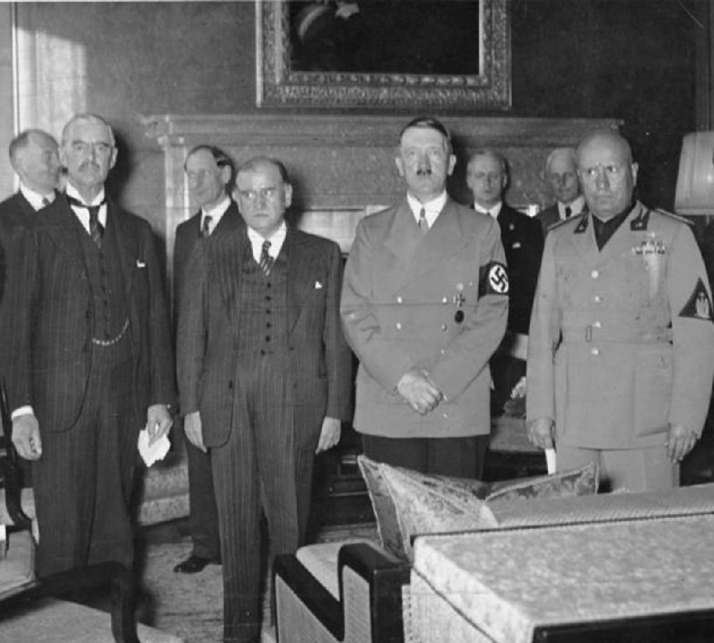 Чемберлен, Даладье,  Гитлер и Муссолини