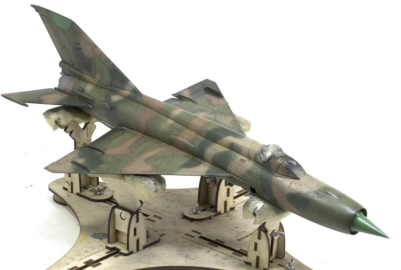 MiG-21МФ 02218 Trumpeter 1/32 C78e270f7af91c1ade4cffd0964a25aa