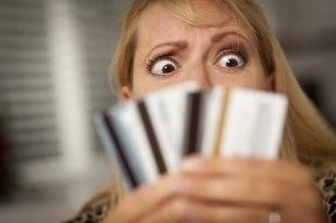 Женщина в шоке от набежавших за просроченный долг процентов