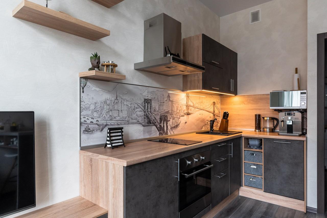 Дизайн кухни в студию