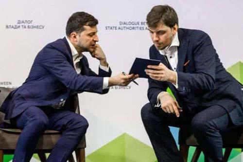 Зеленский или Гончарук: кто должен уйти в отставку?