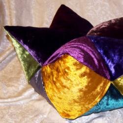 Диванная плодушка в форме звезды и лотоса