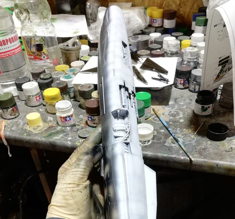 F-8E CRUSADER TRUMPETER 1/32 40c0a7bfb670ef76a1e4fcb64377e352