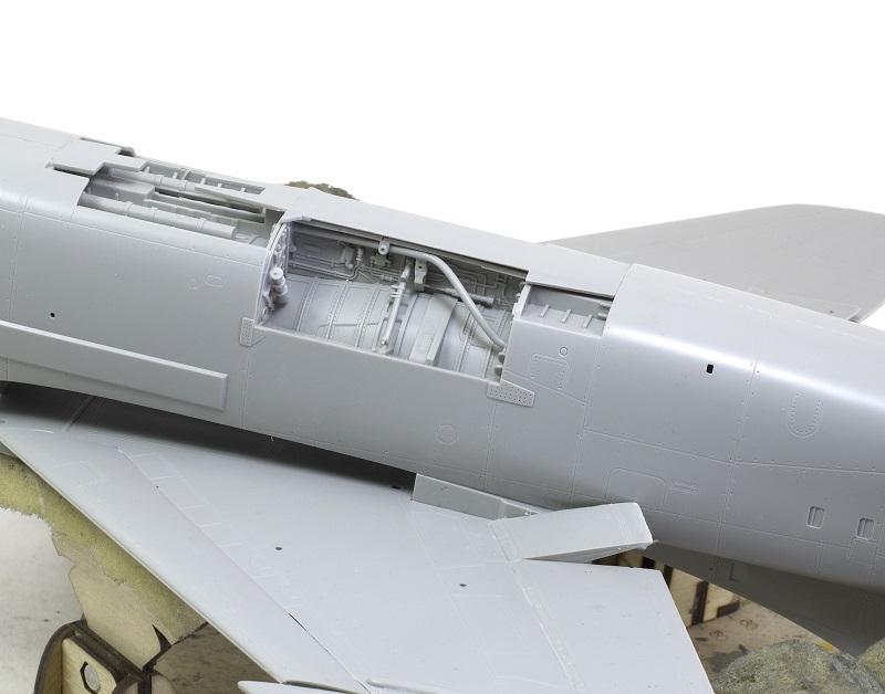 F-8E CRUSADER TRUMPETER 1/32 52e33cdf54c6e229bd2cd5dc668b5359