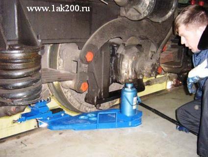 Мобильный колесотокарный станок для обточки колесных пар без выкатки — 1АК200