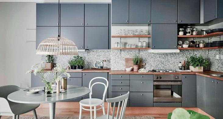 классическое сочетание цветов на кухне фото