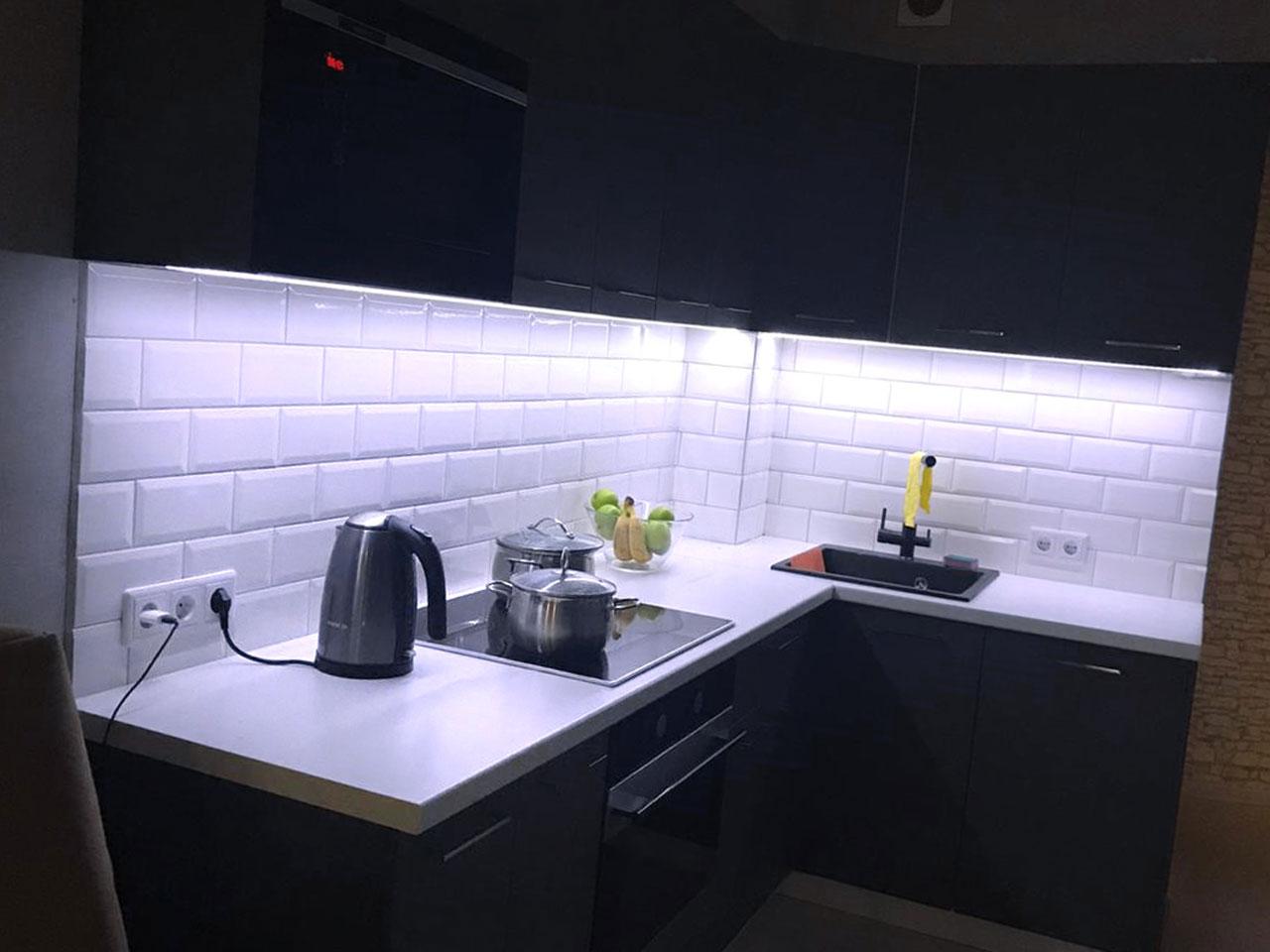 подсветка кухни светодиодной лентой фото
