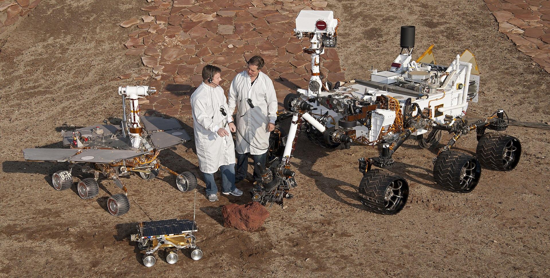 Моделі всіх успішних марсоходів
