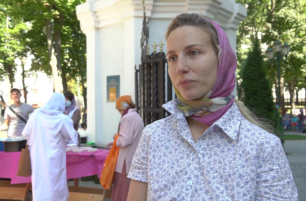 Преподаватель воскресной школы и прихожанка храма Жен-Мироносиц Дарья Юренко.png