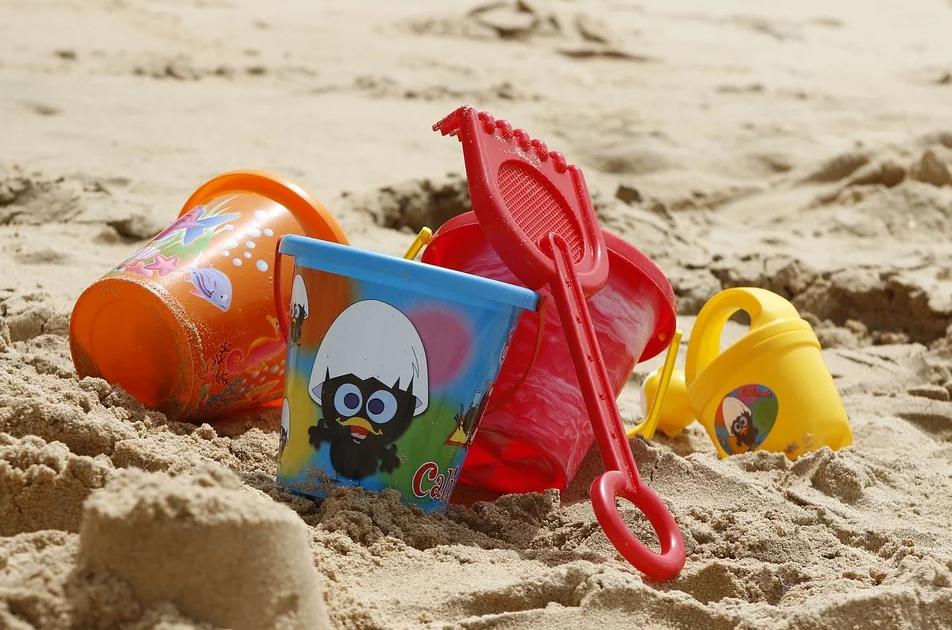 Детские игрушки: развлечение и помощь в развитии