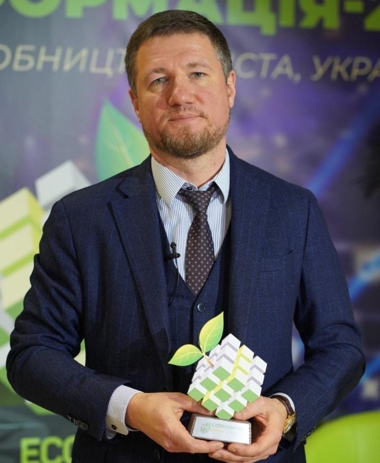 Генеральный директор ДТЭК Нефтегаз Игорь Щуров на вручении Эко-Оскара.jpg