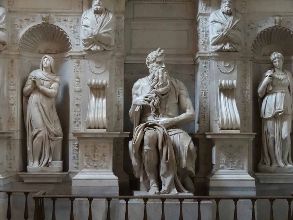 Микеланджело-Моисей.jpg
