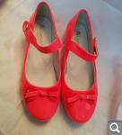 Обувь для девочки: кроссовки, туфли, угги домашние 844e57f434ea7b876c88ee49ad992f40